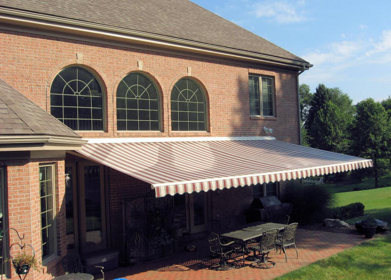 Amazing Free Motor With The Purchase Of A Retractable Awning !